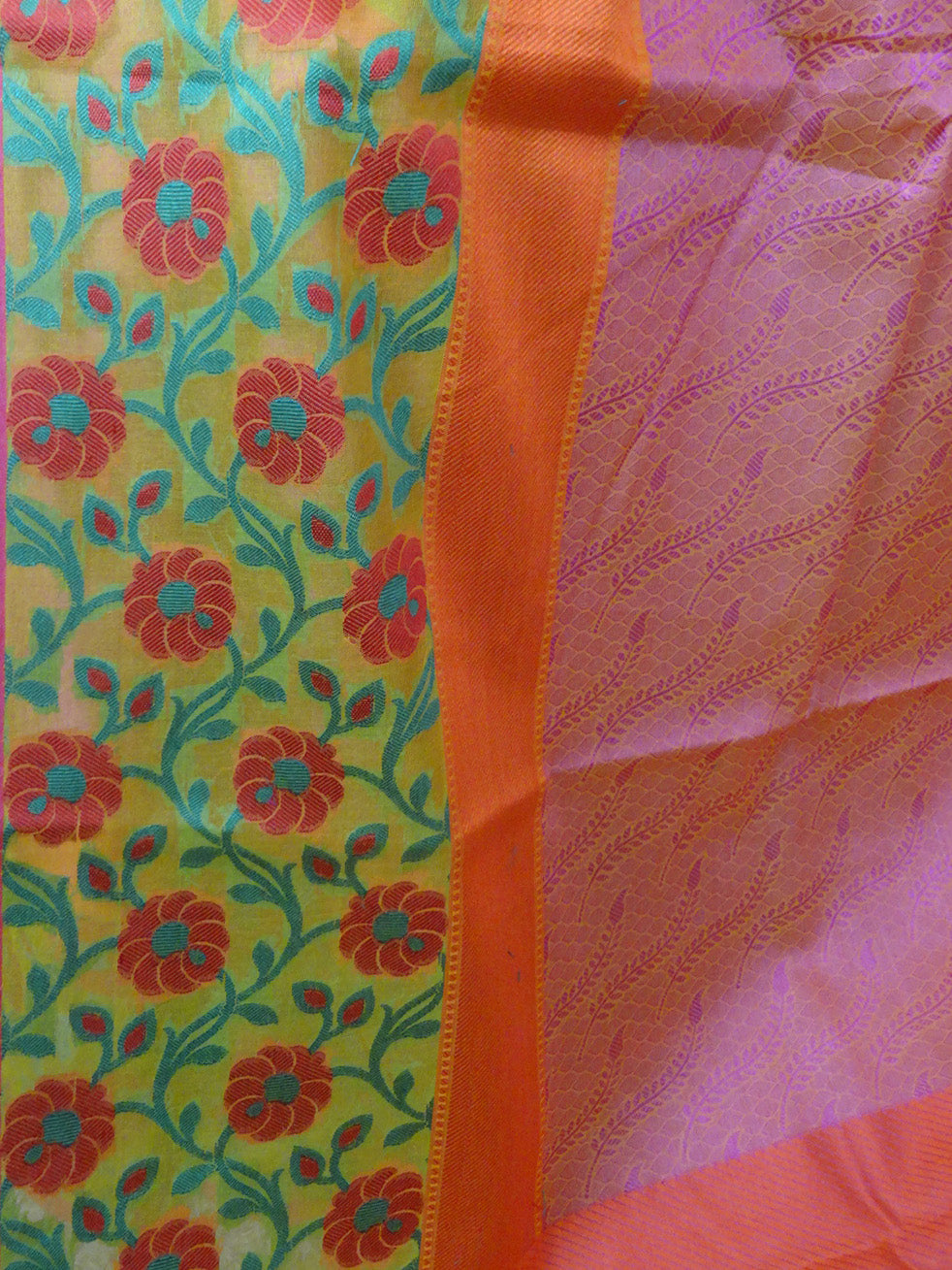 Banarasee Cotton Silk Tanchoi Weave Saree With Contrast Woven Floral Border-Peach(Dual Tone)