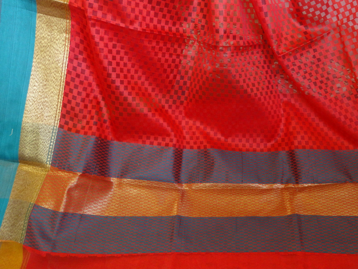 Banarasee Cotton Silk Mix Saree  With Checks Design & Contrast Border-Red