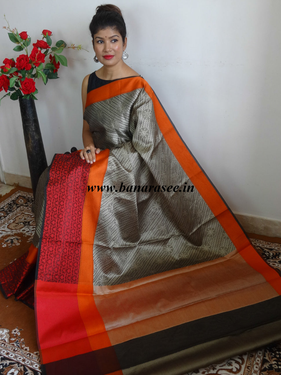 Banarasee Cotton Silk Brown Tanchoi Weave Saree With Contrast Woven Red Border-Black