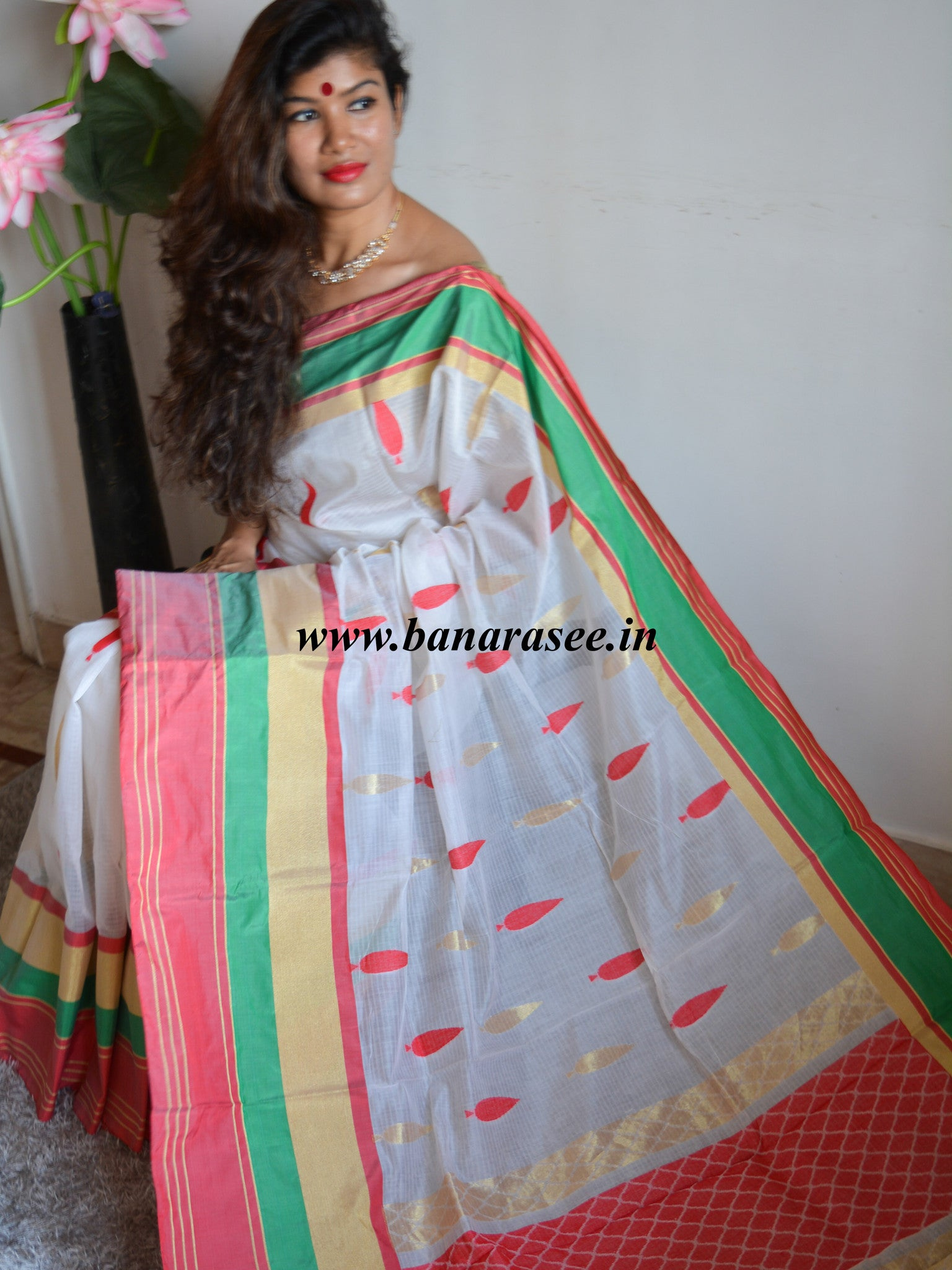 Banarasee/Banarasee Pure Handloom Silk Cotton Saree With Resham Buti-White