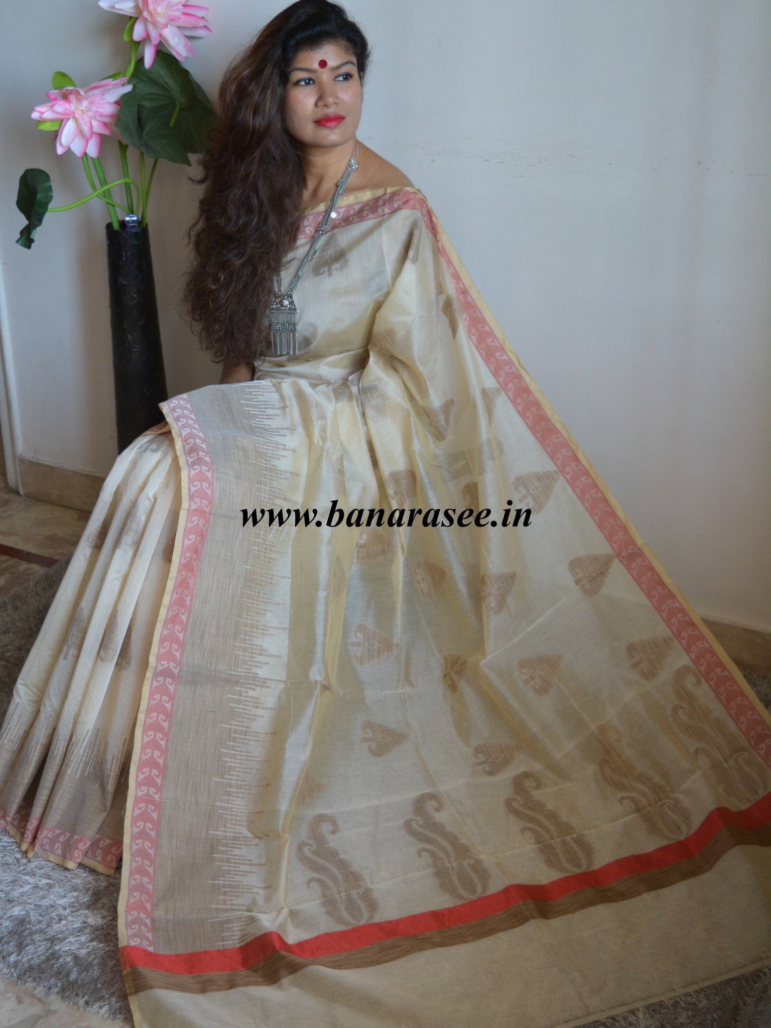 Banarasee/Banarasee Silk Cotton Saree Khichha Paan Buti Design-Beige
