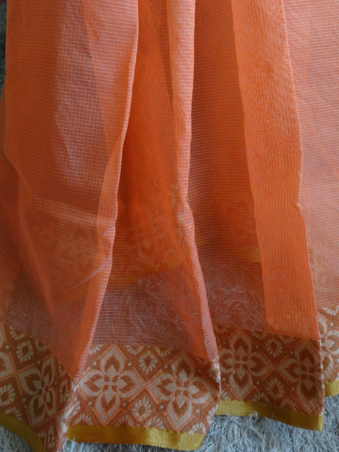 Banarasee/Banarasi Cotton Silk Mix Saree With Floral Woven Design-Peach