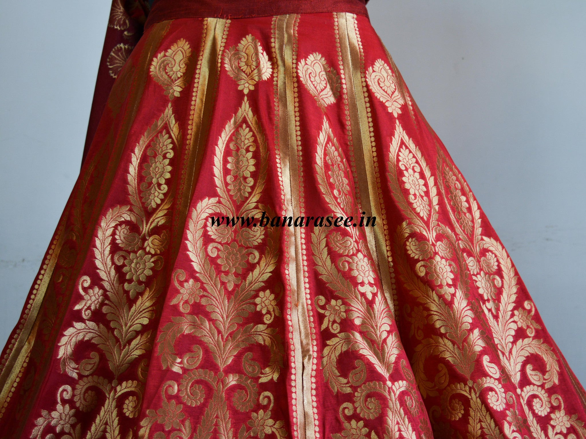 Banarasee/Banarasi Handwoven Semi Silk Unstitched Lehenga & Blouse Fabric With Dupatta-Red