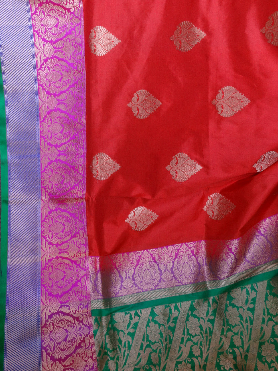 Banarasee/Banarasee Handloom Pure Katan Silk Sari With Skirt Border-Red