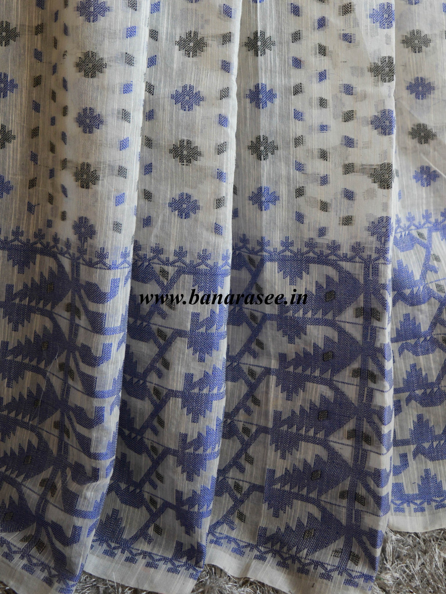 Banarasee/Banarasee Pure Handloom Cotton Dhakai Jamdani Saree With Blue Resham Jaal-Off White