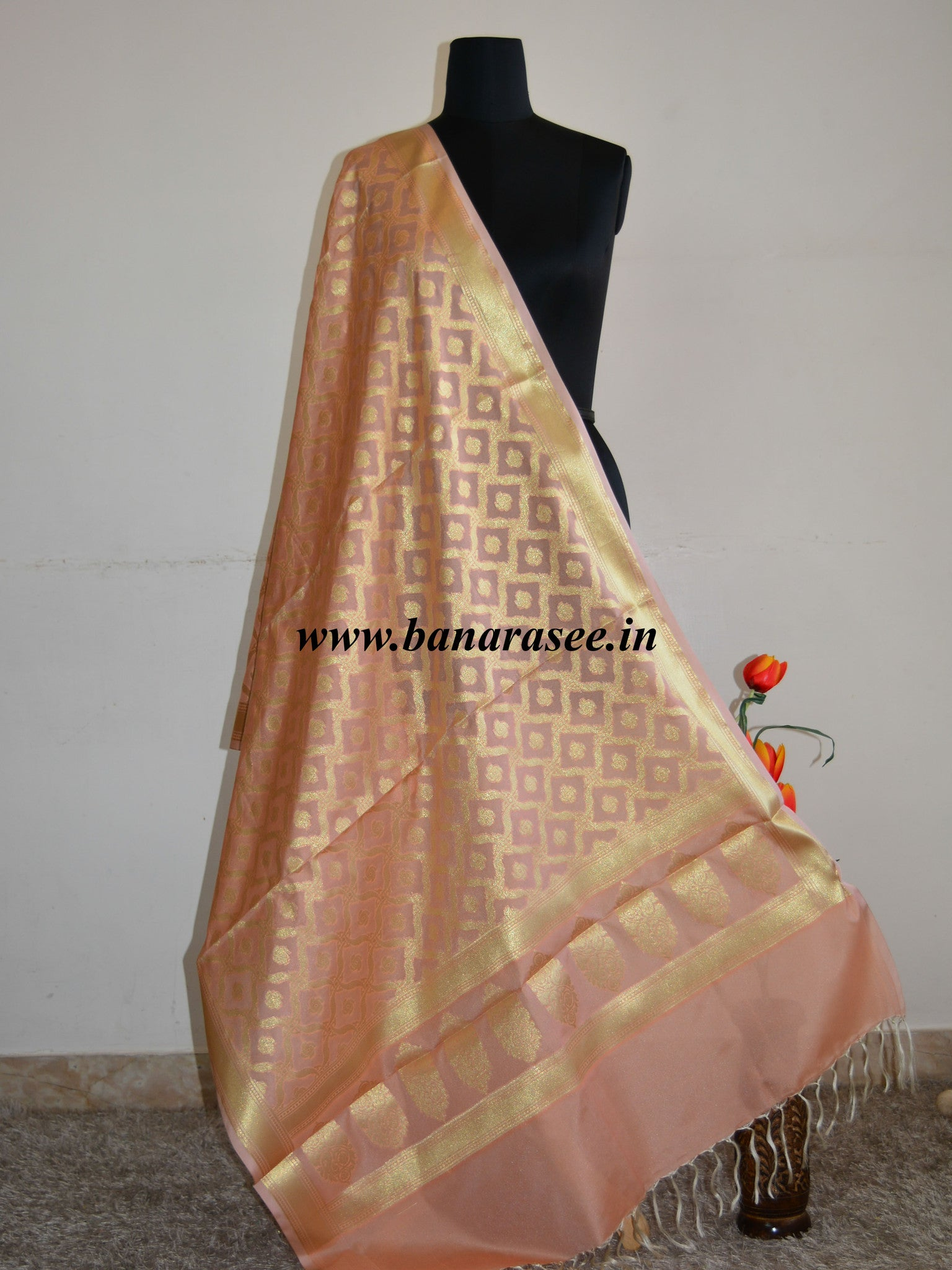 Banarasee Art Silk Dupatta With Pallu & Jaal Design-Peach