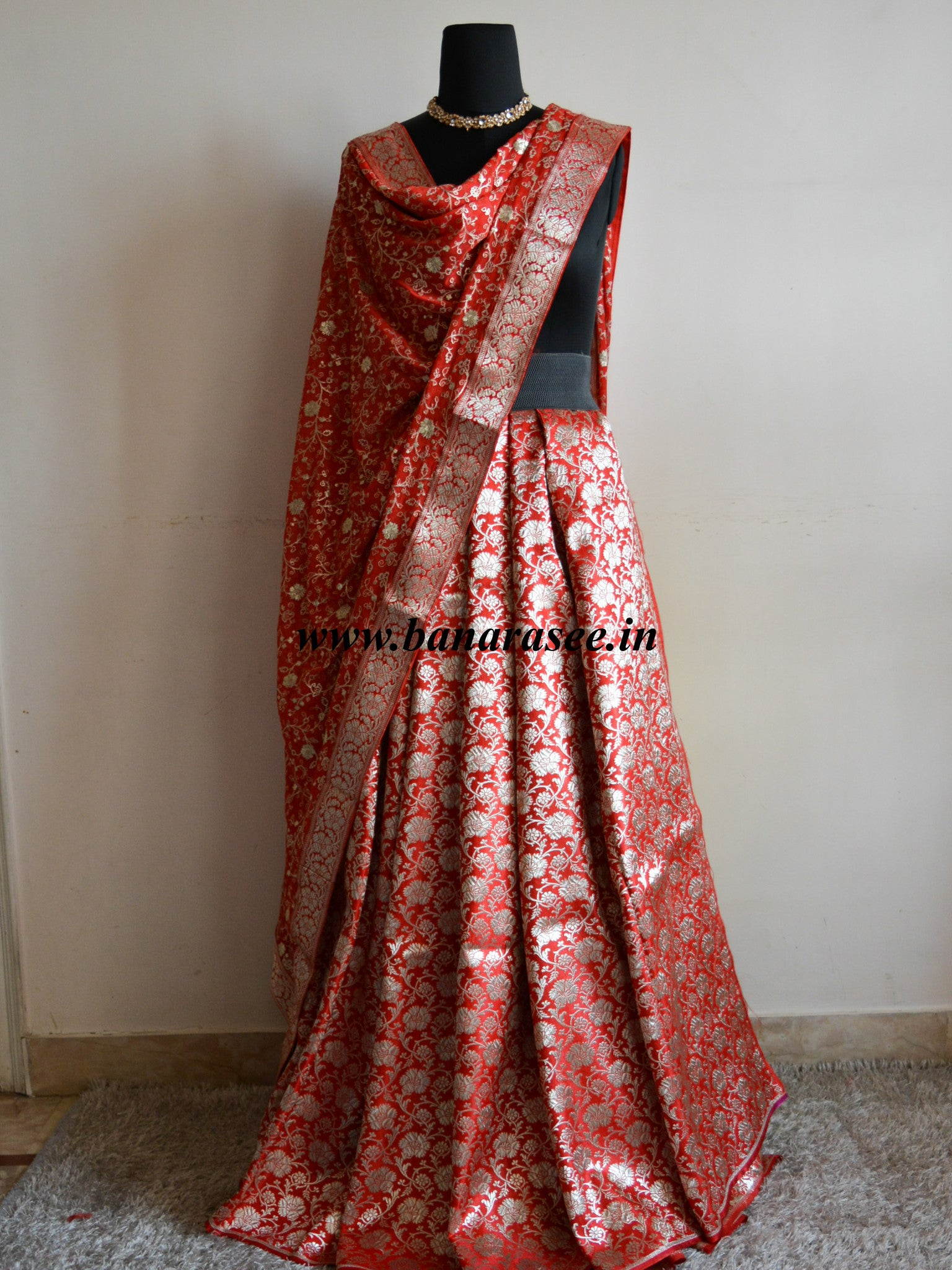 Banarasee/Banarasi Handwoven Brocade Unstitched Lehenga Fabric with Chiffon Dupatta-Red