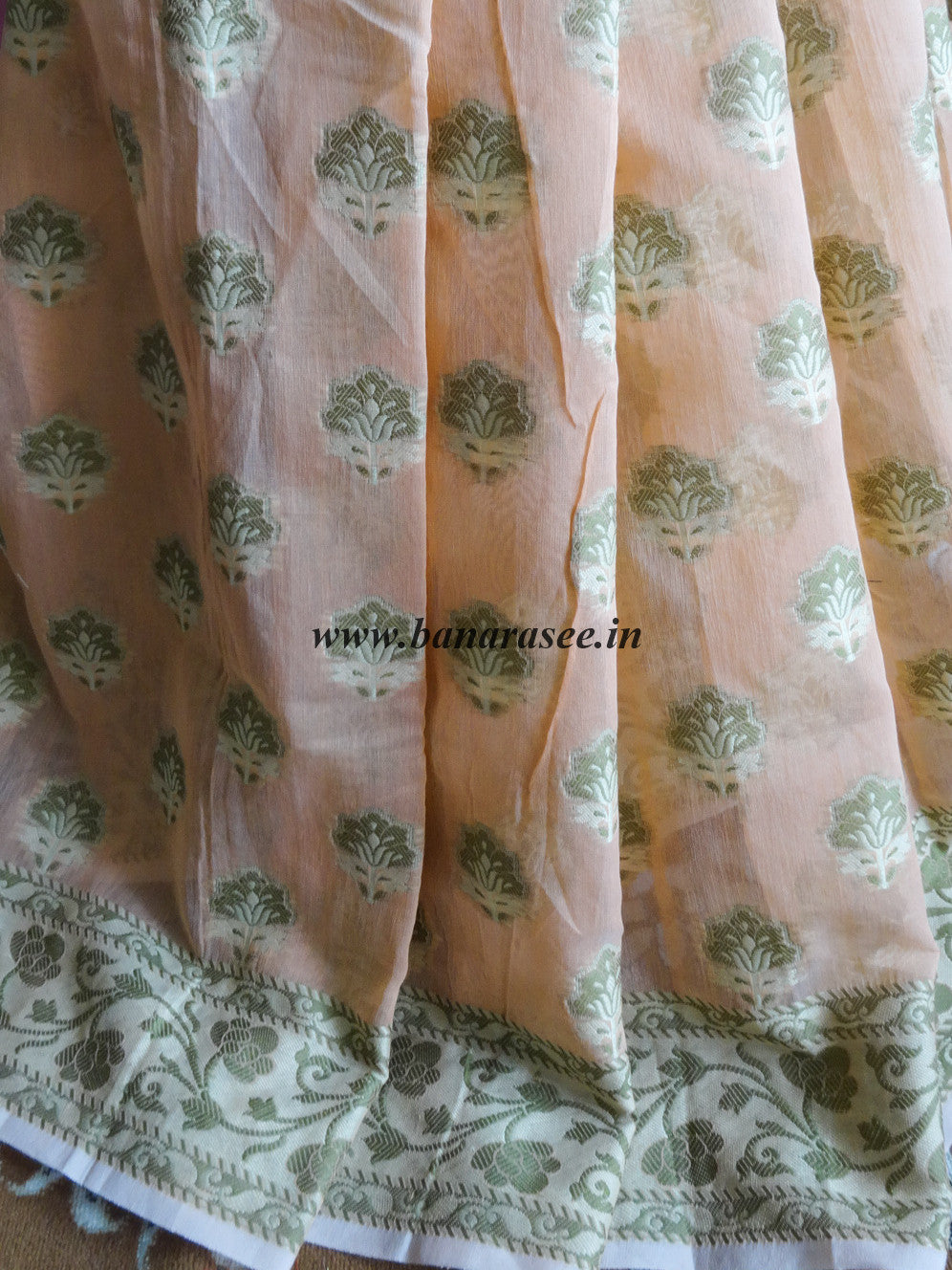 Banarasee/Banarasi Cotton Silk Mix Saree With Floral Weaving Design-Peach