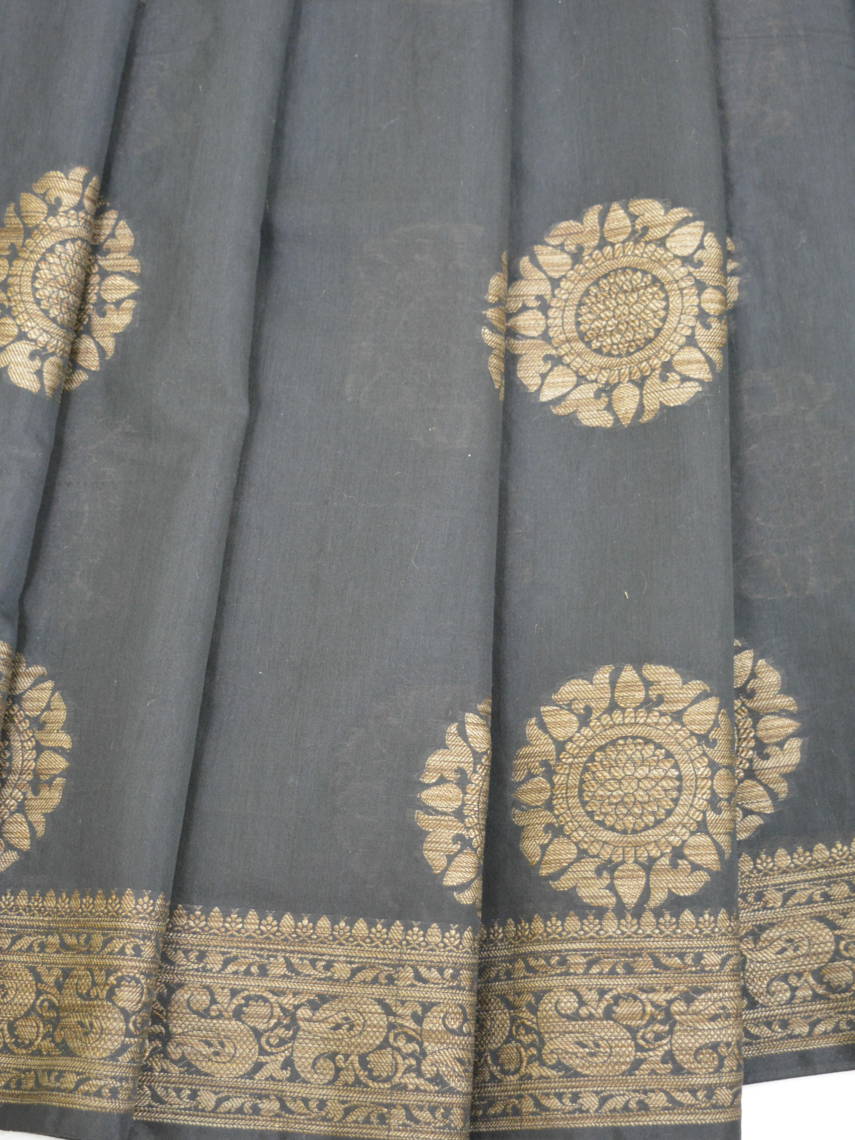 Banarasee Pure Handloom Soft Cotton Saree With Jute Work-Black