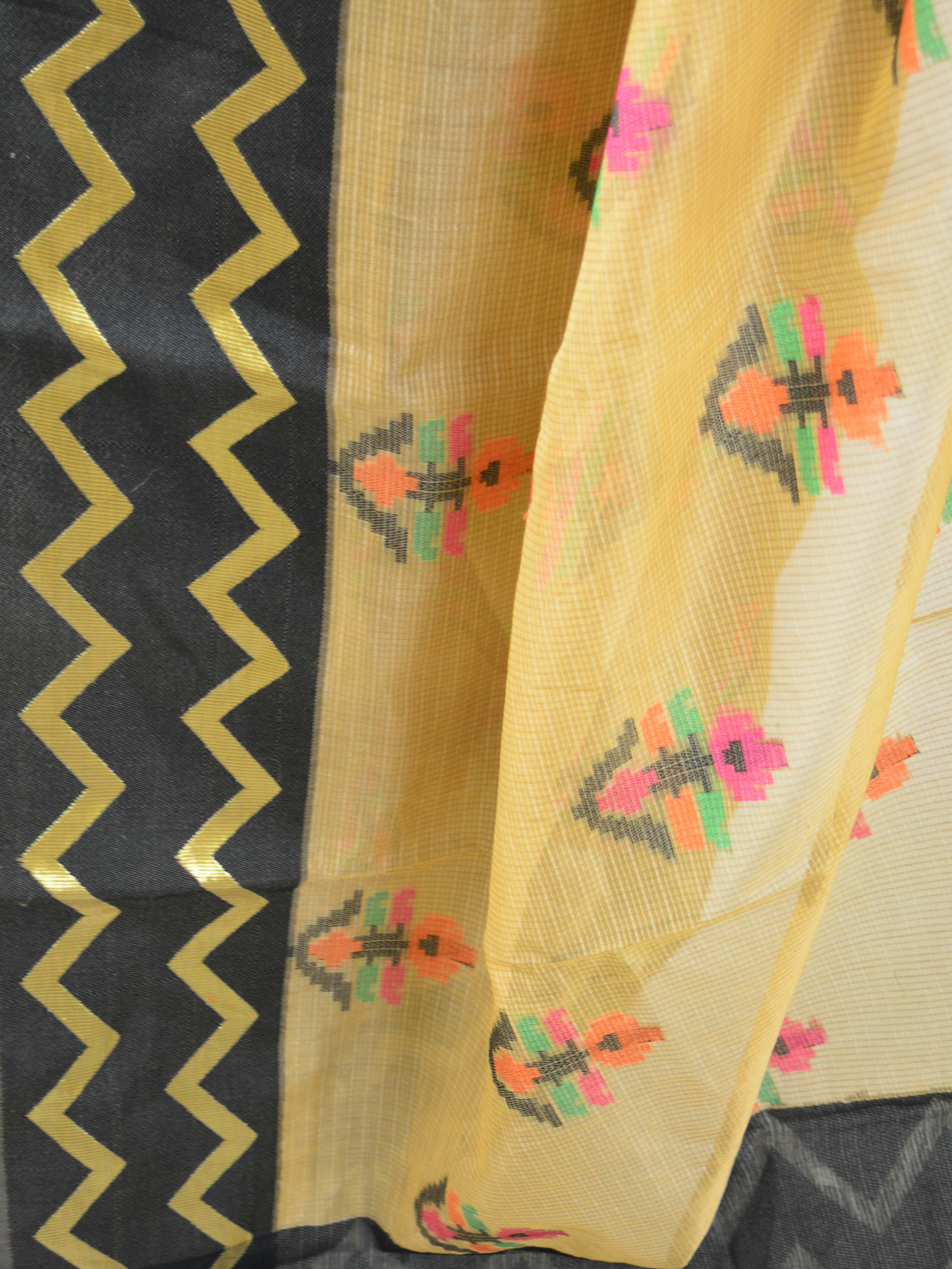 Banarasee Cotton Silk Mix Saree With Resham Buti & Zig-Zag Border-Beige