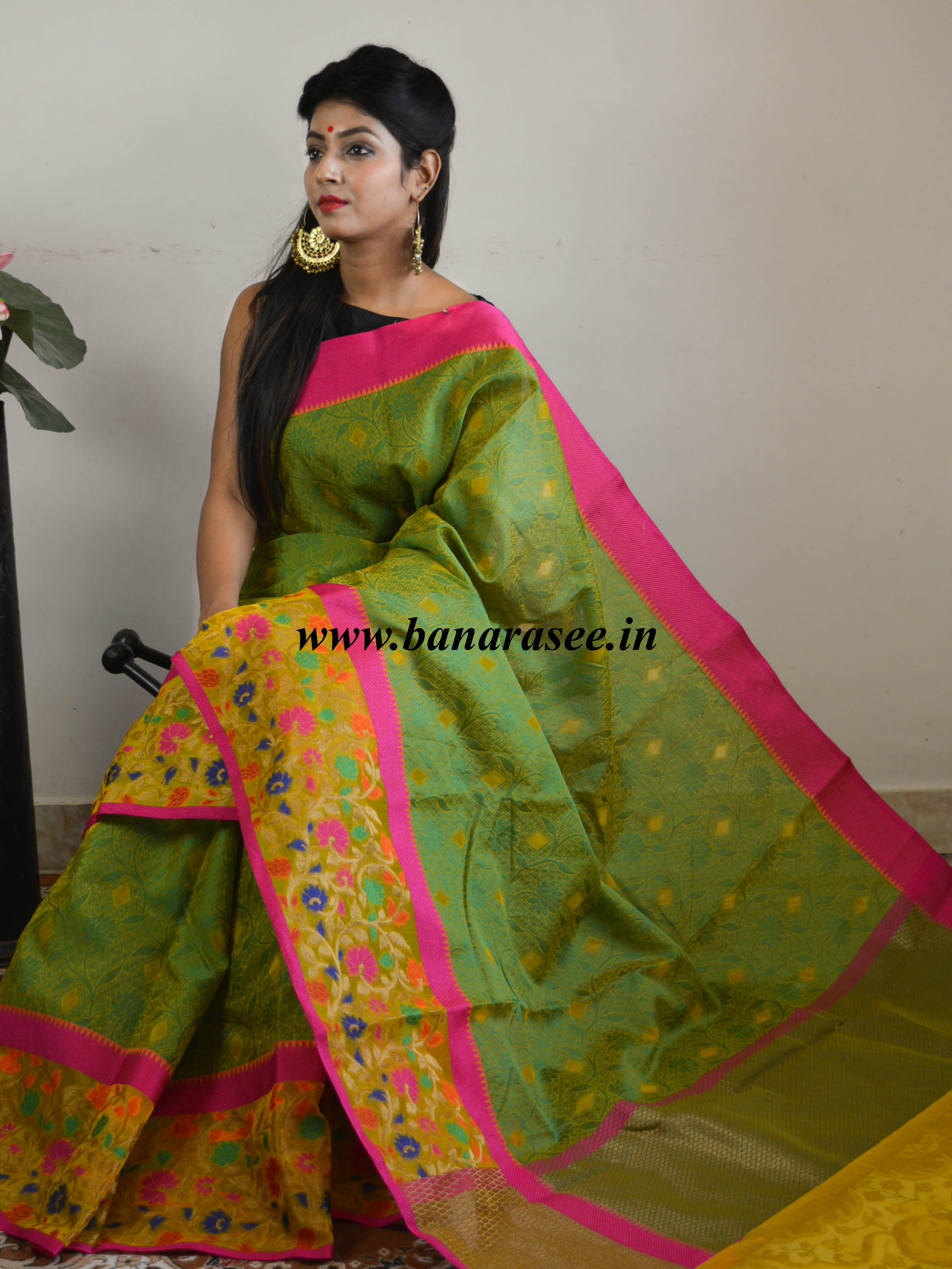 Banarasee Cotton Silk Tanchoi Weave Saree With Multi-color Floral Border-Green
