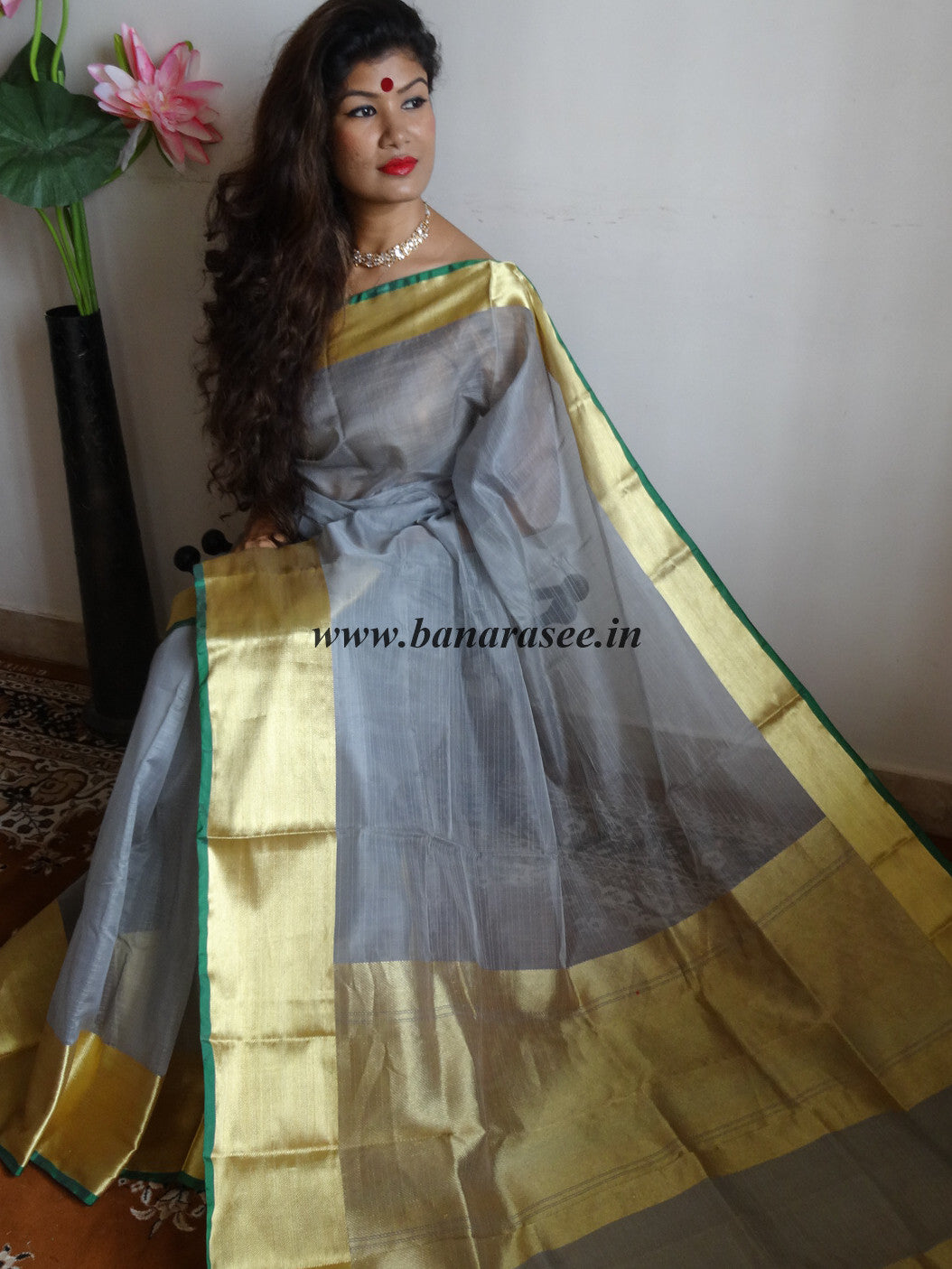 Banarasee/Banarasee Pure Handloom Silk Cotton Sari With Golden Border Plain-Grey