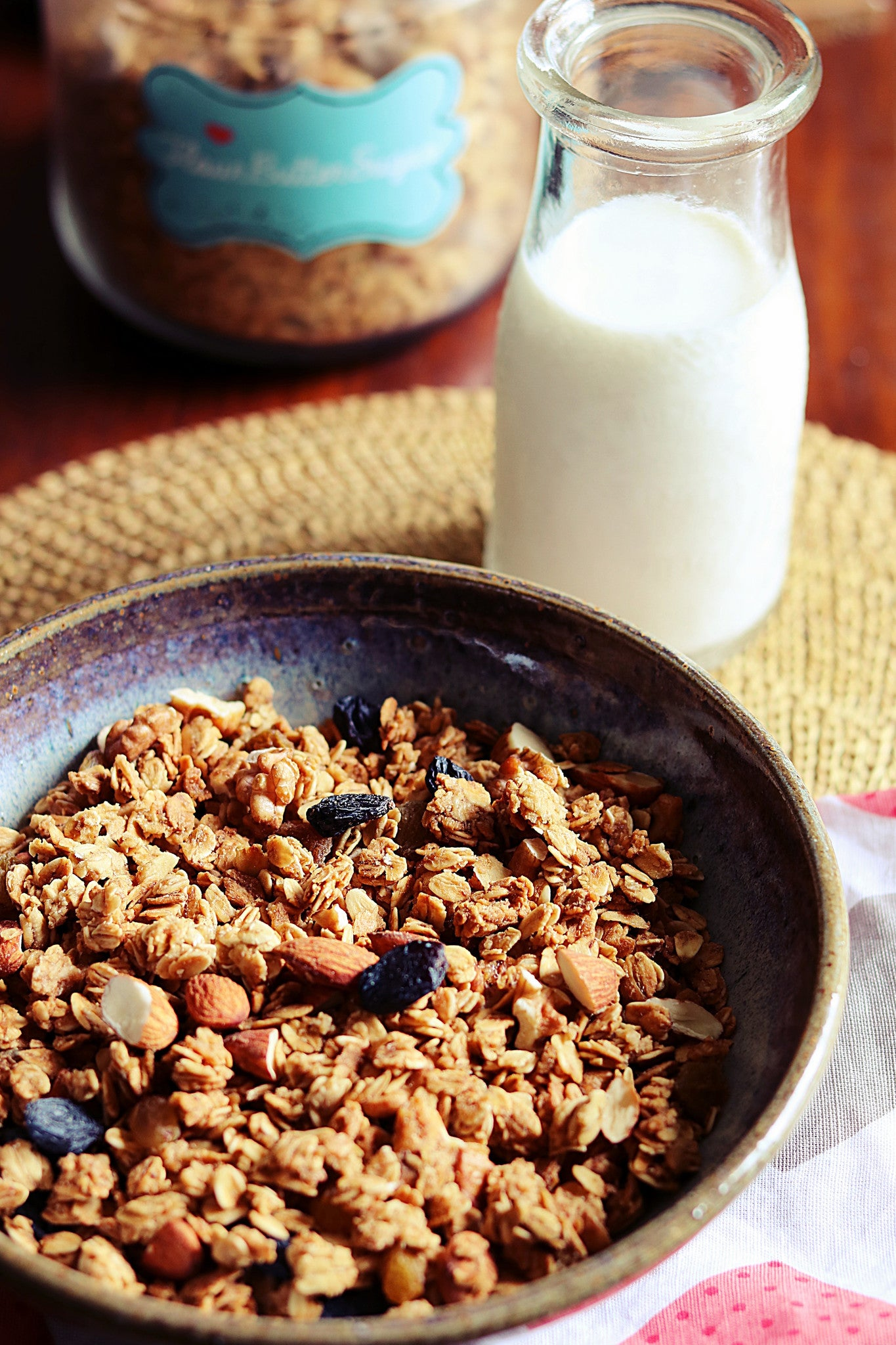 Almond Walnut & Raisins Granola