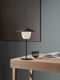 ANI Lamp Lifestyle Black