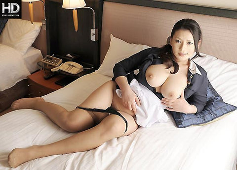 Busty Hotel Housekeeper Sex with Guest - Rei Kitajima 北島玲 (720P HD)