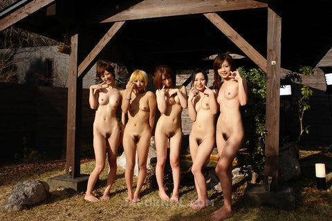 5 Girls Hot Spring Gang Bang Circle - 美女数名 (SD Video)