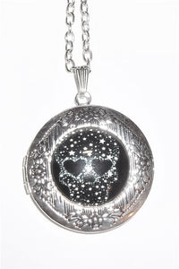 "Black and White Star Skull Rocker Goth Cabochon Silver Plated Locket Pendant 20"" Chain"