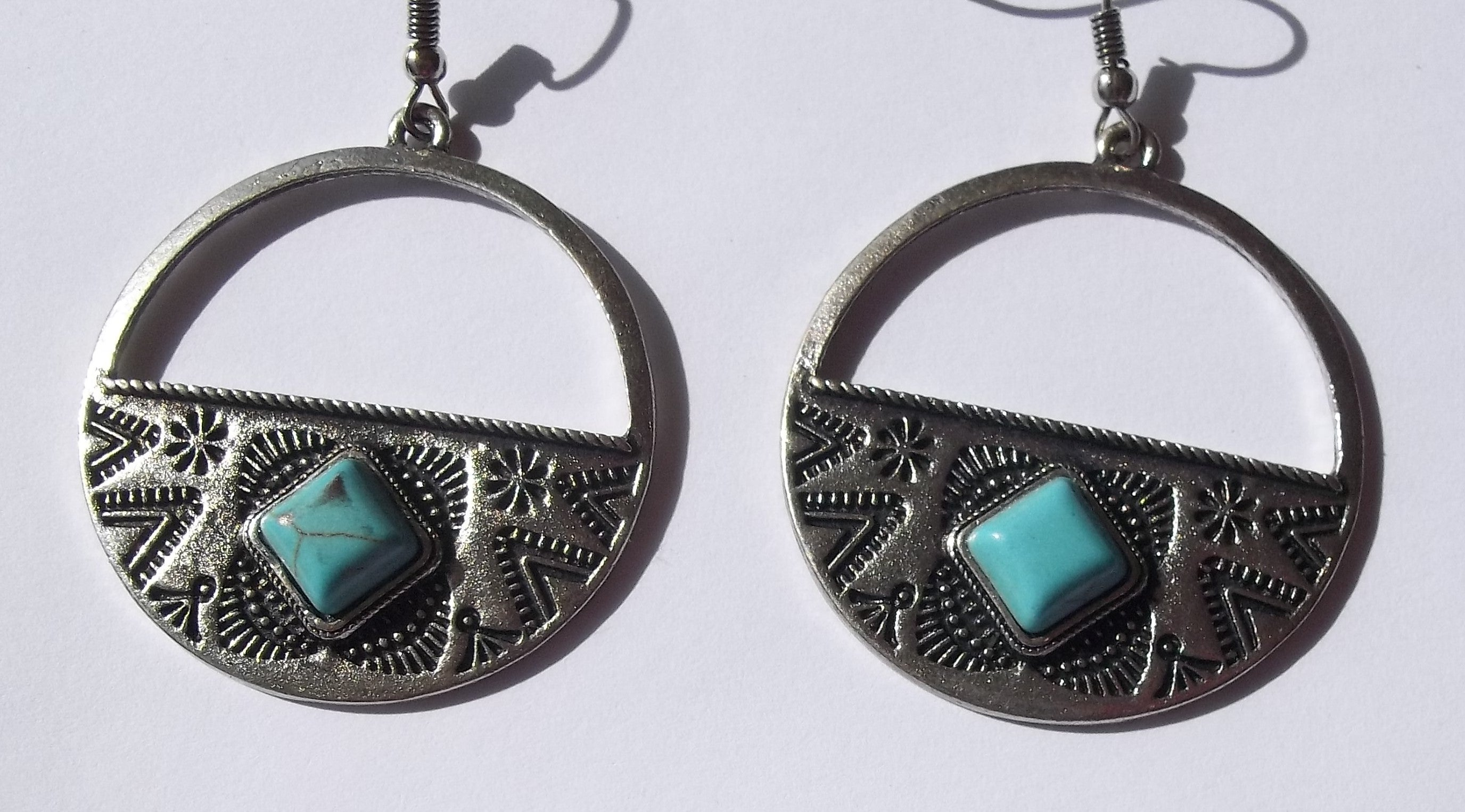 "Turquoise Pewter 1.5"" Medallion Native American Themed Fashion Earrings"