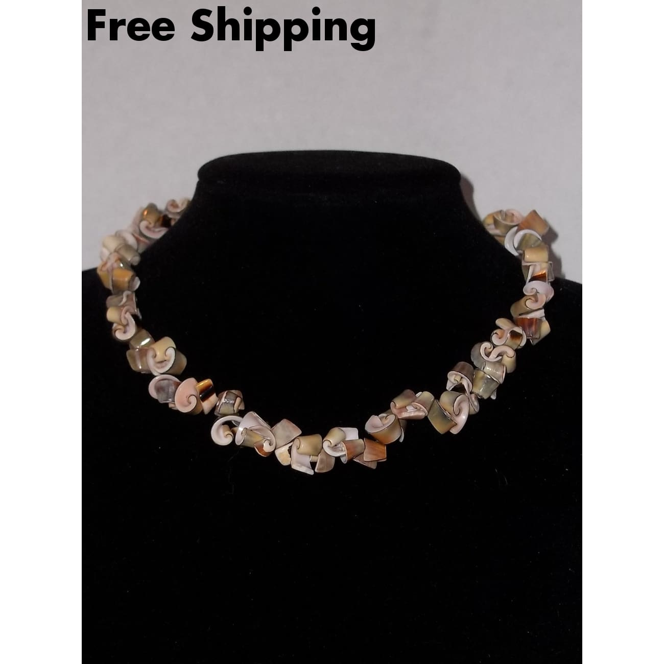 Vintage Hand Crafted Sea Shell Choker Necklace - Necklaces & Pendants