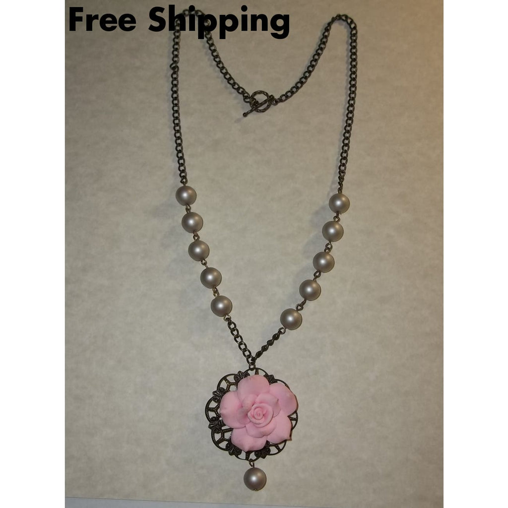 Vintage Victorian Style Rose Pendant Champagne Pearl Beads In Bronze 22 Chain - Necklaces & Pendants