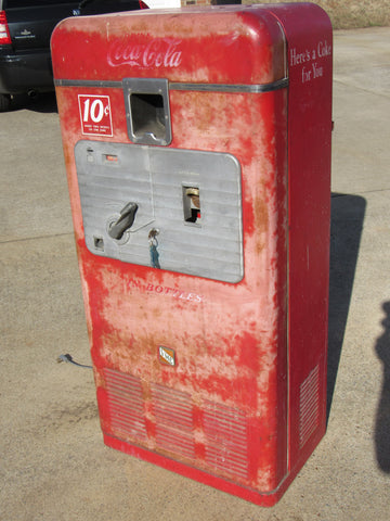 Vendo 33 Coke Machine Coca-Cola - All Original with fantastic patina - or restore it!