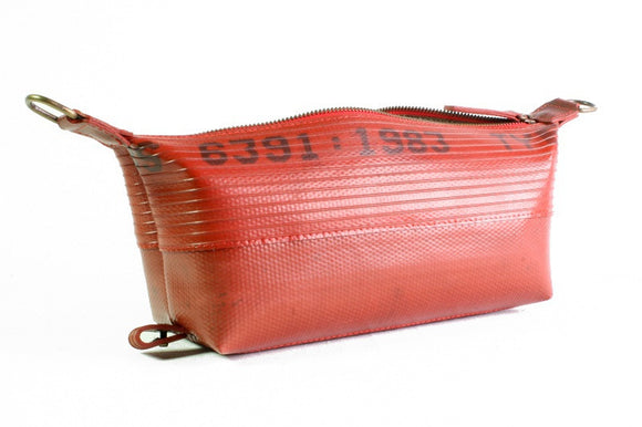 Washbag (medium) by Elvis & Kresse