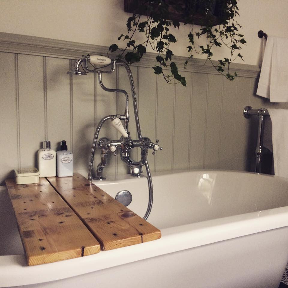 Reclaimed Timber Bath Caddy – productfusion