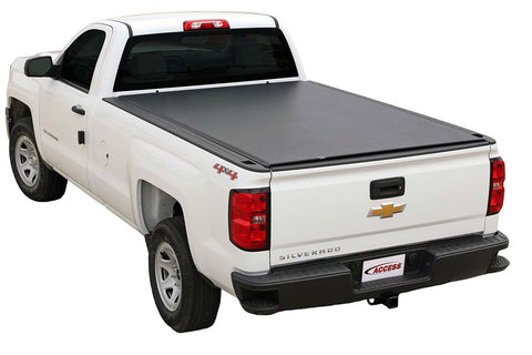 Low profile tonneau cover
