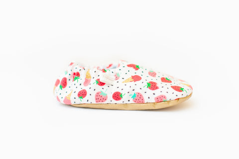 Weepereas - Strawberries Baby Shoes