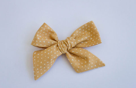 Wanderlust and Mayhem - Gold Hearts Hair Bow