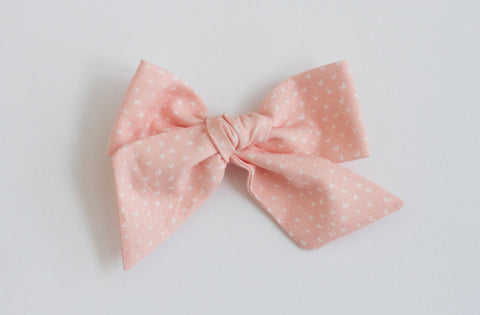 Wanderlust and Mayhem - Pink Heart Hair Bow
