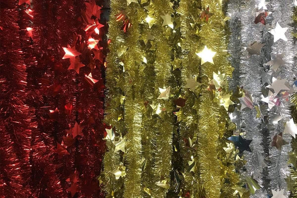TINSEL 2.7m DIE-CUT STARS LIGHT AVAILABLE IN 3 COLORS