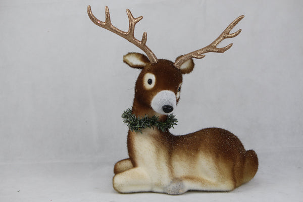 FLOCKED DEER SITTING 40x30cm - Christmas World