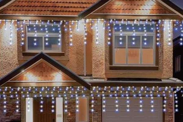 LED Snowing Icicles 816 White or White and Blue