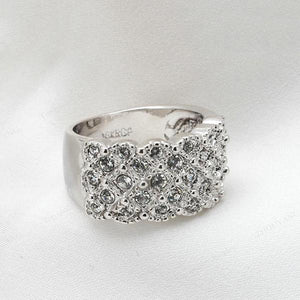 Luxe Platinum Ring