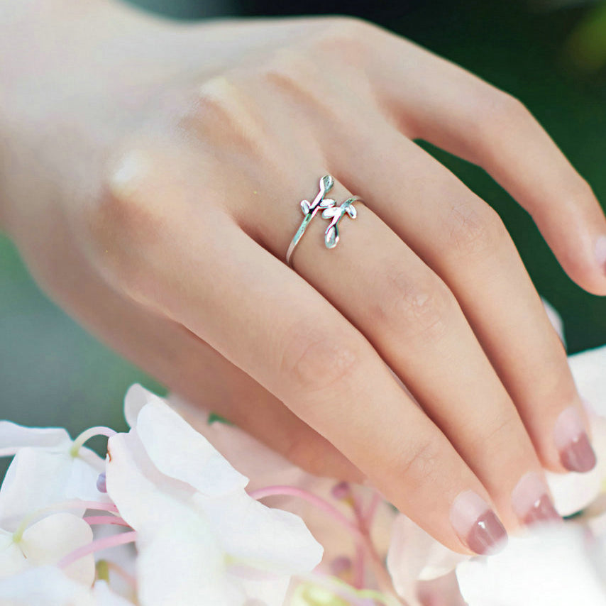 Classic Wrapped Leaf Ring