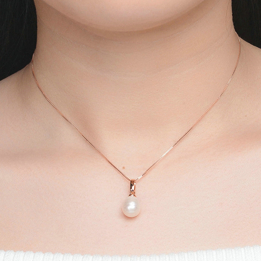 Classic Freshwater Pearl Necklace