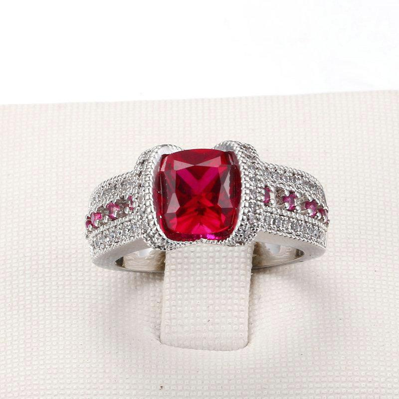 Luxurious Red Cocktail Ring