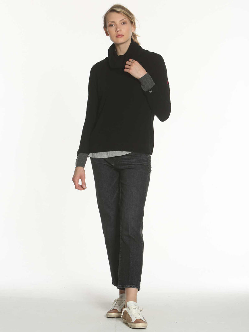 Luxe Leisure T-Neck - Black
