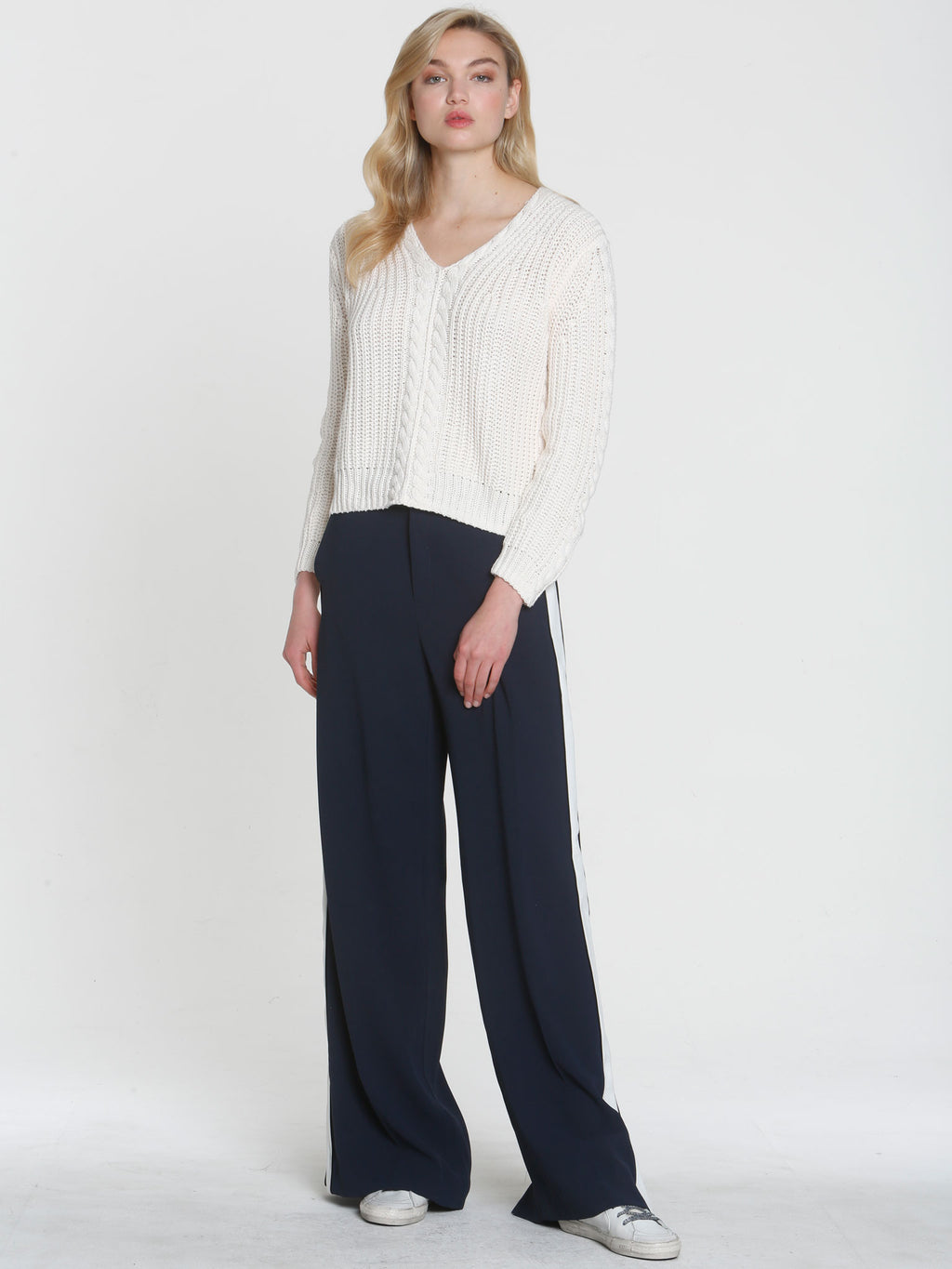 Cropped Cable Vee - White