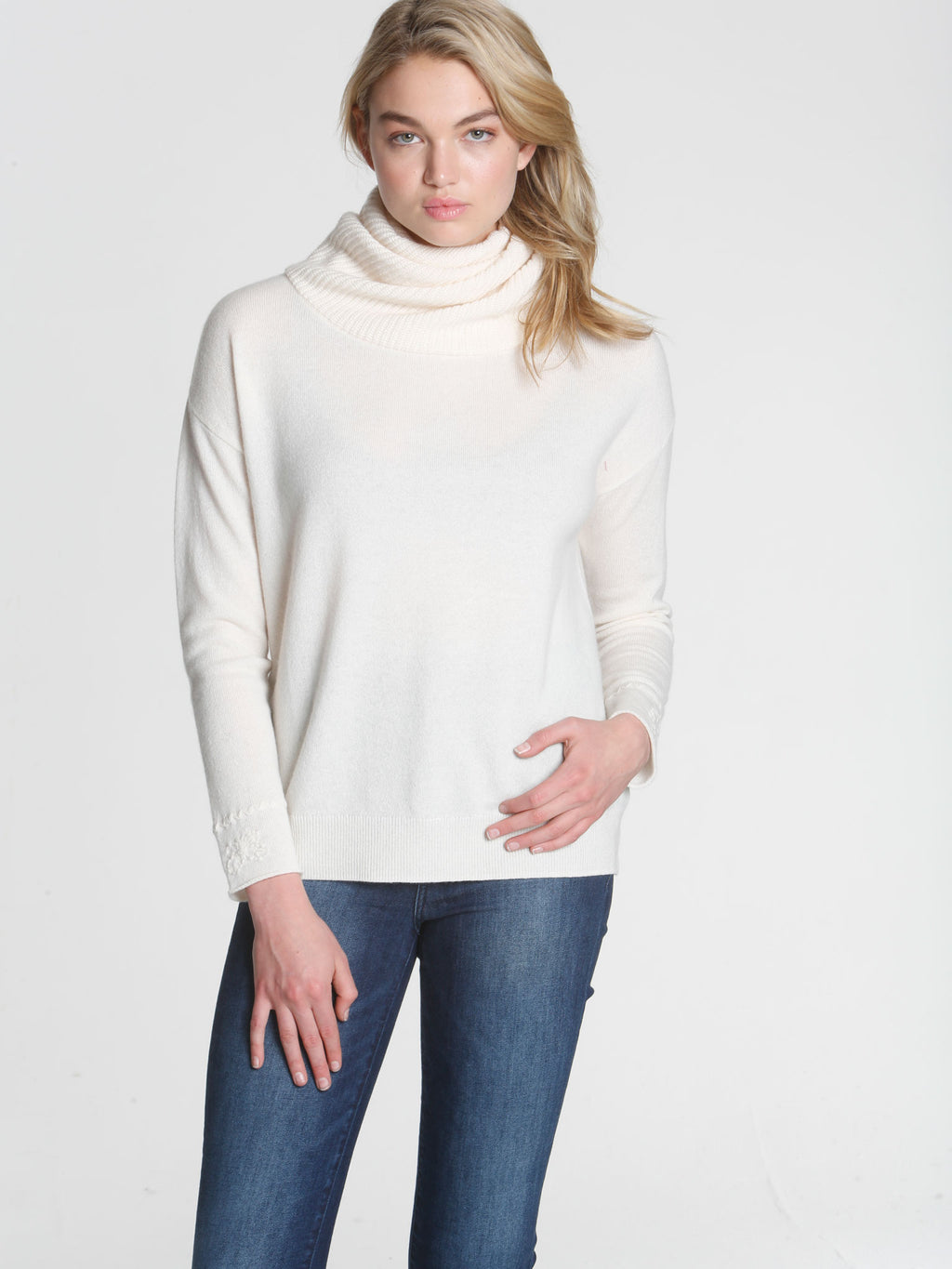 Twisted Scrunch Neck - White