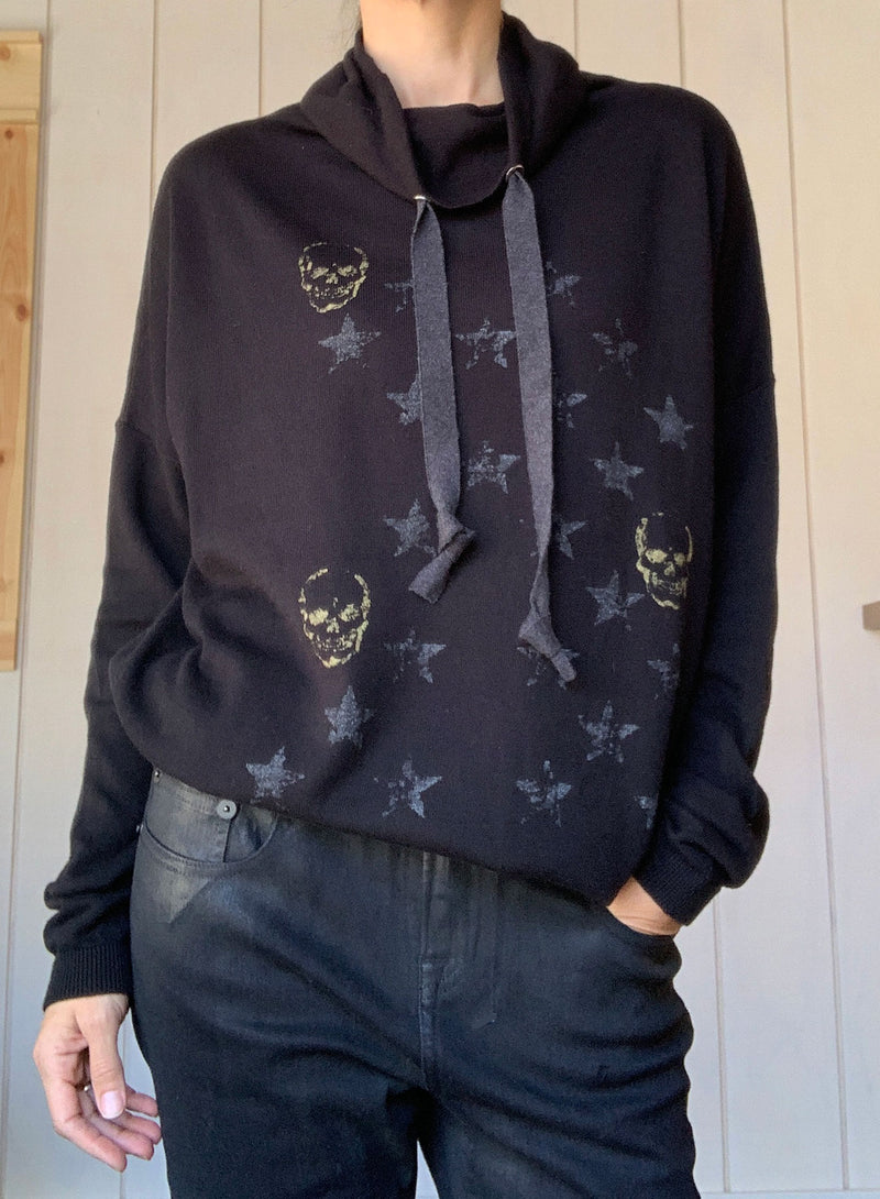 Mini Skull Funnel Neck - Black