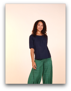 https://cdn.shopify.com/s/files/1/0957/9656/files/Guru_pant_emerald.mp4?v=1606442608