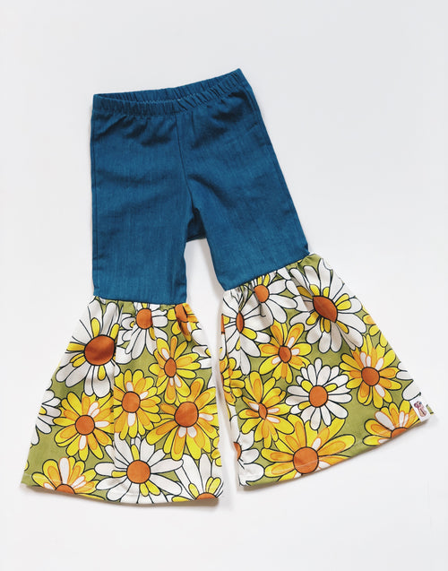 VINTAGE DAISY Hippie Bell Bottoms