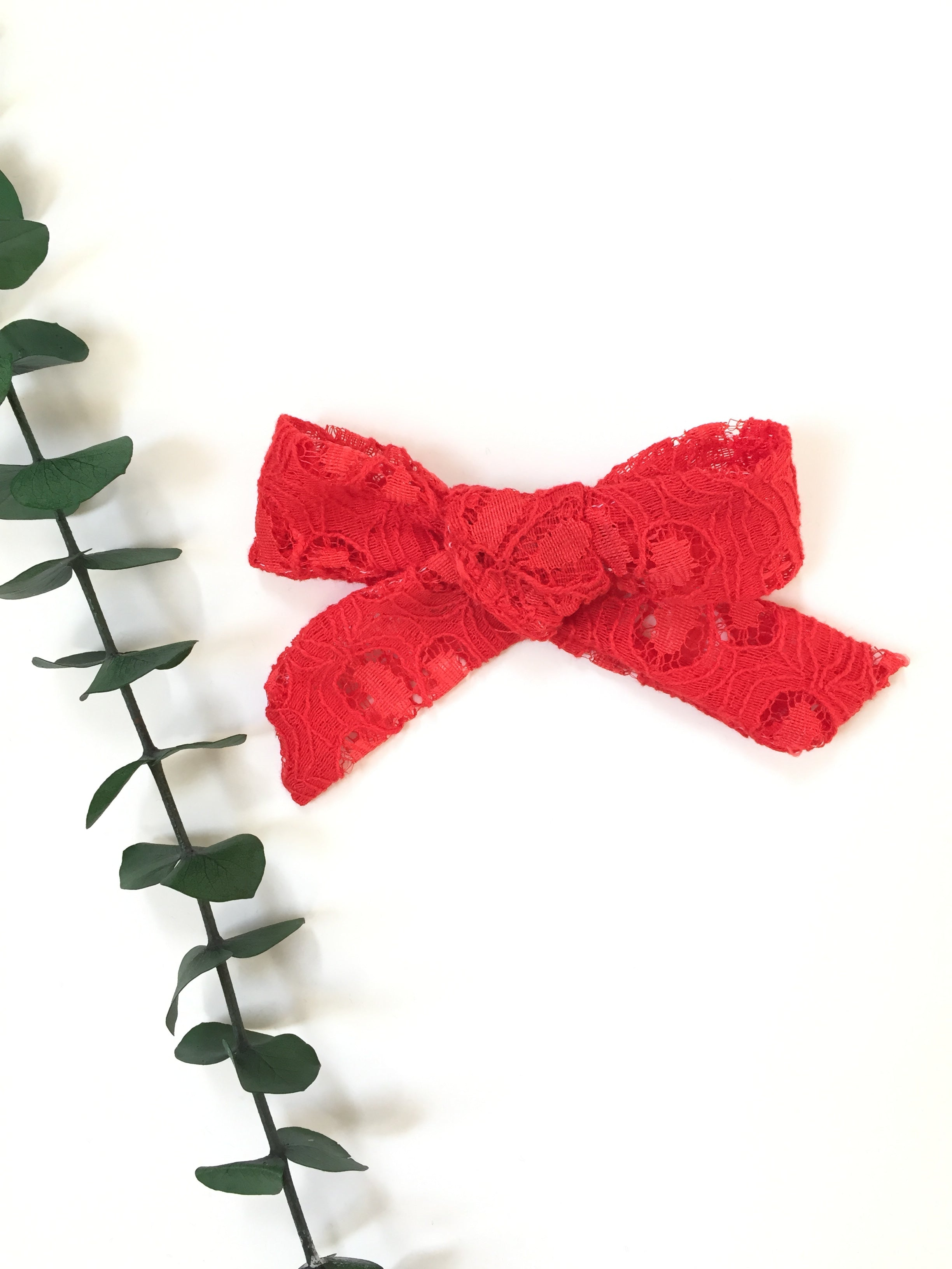 RED DAISY Lace LANA Bow