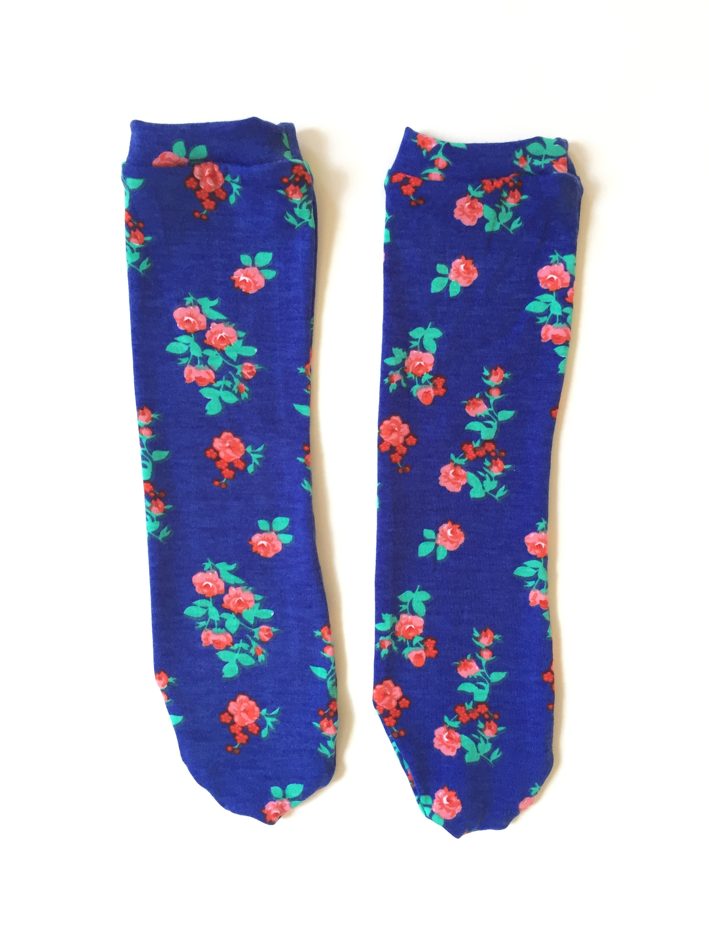 PRETTY BLUE ROSES Knee High Socks