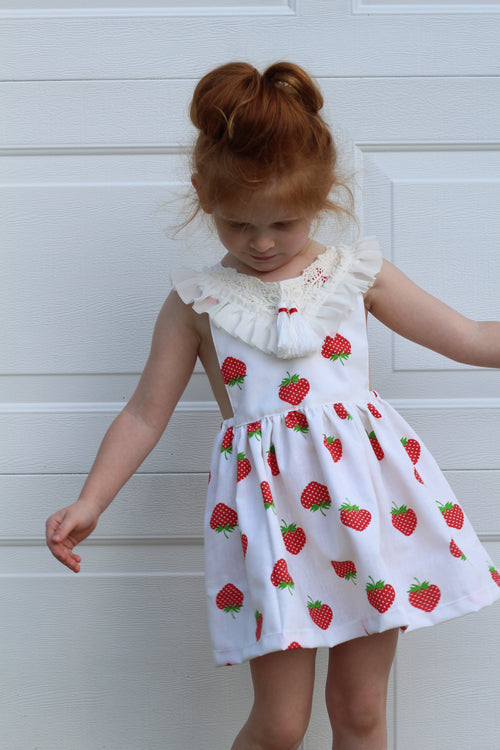 VINTAGE STRAWBERRY Tie-Back Dress