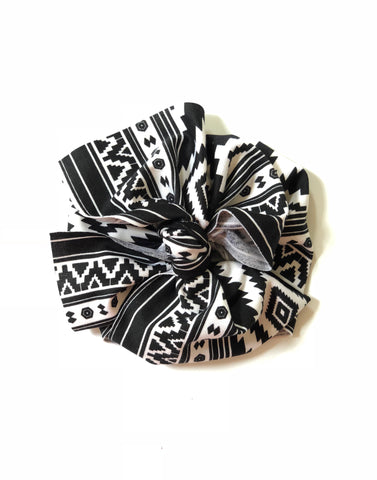 BLACK WHITE GRID Textured Bow Wrap