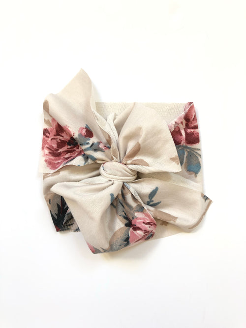 ROSES IN WINTER Bow Wrap