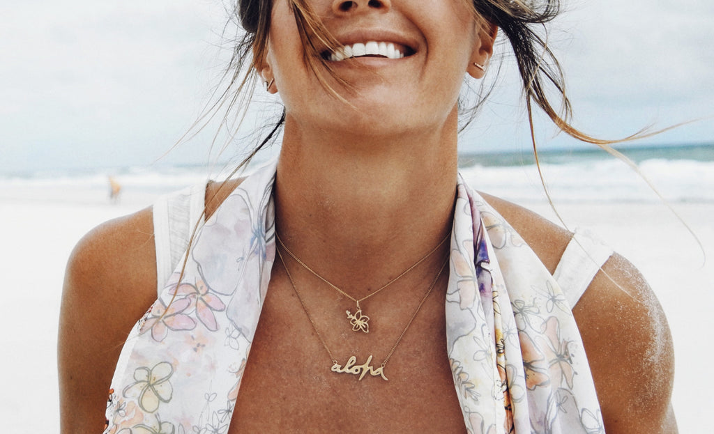 Goldfish kiss x La Luna Rose Aloha Necklace Collaboration